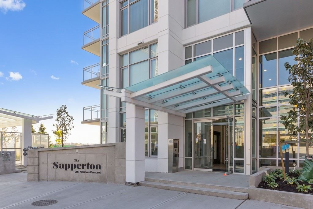 703 200 NELSON'S CRESCENT, 2 bed, 2 bath, at $599,000