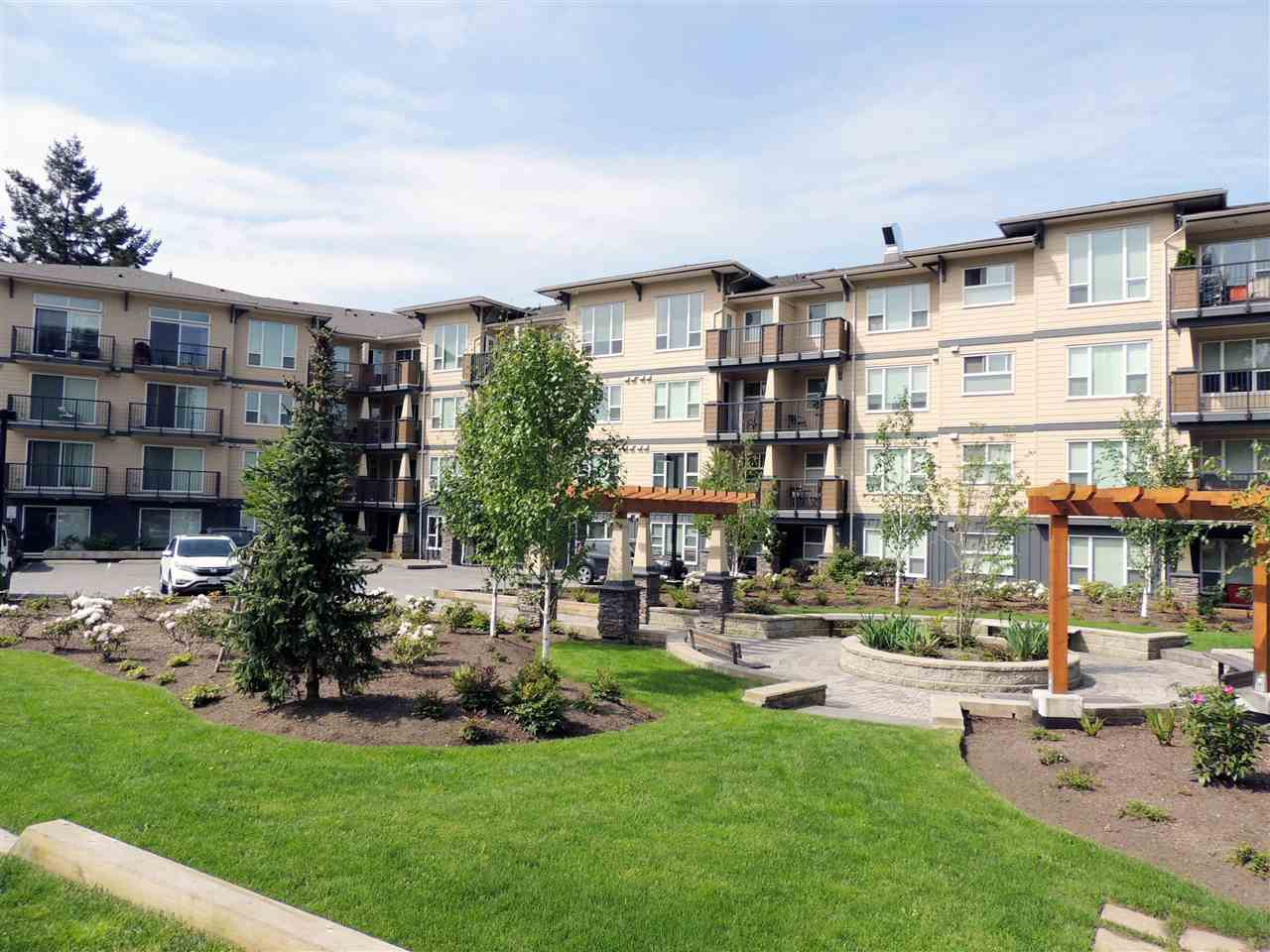 409 2565 CAMPBELL AVENUE, 1 bed, 1 bath, at $299,900