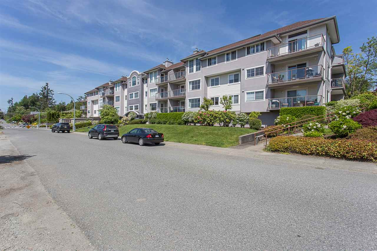 211 33599 2ND AVENUE, 2 bed, 2 bath, at $334,900