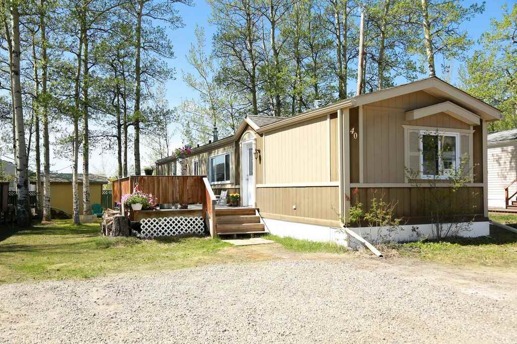 40 7414 FOREST LAWN STREET, 3 bed, 2 bath, at $129,900