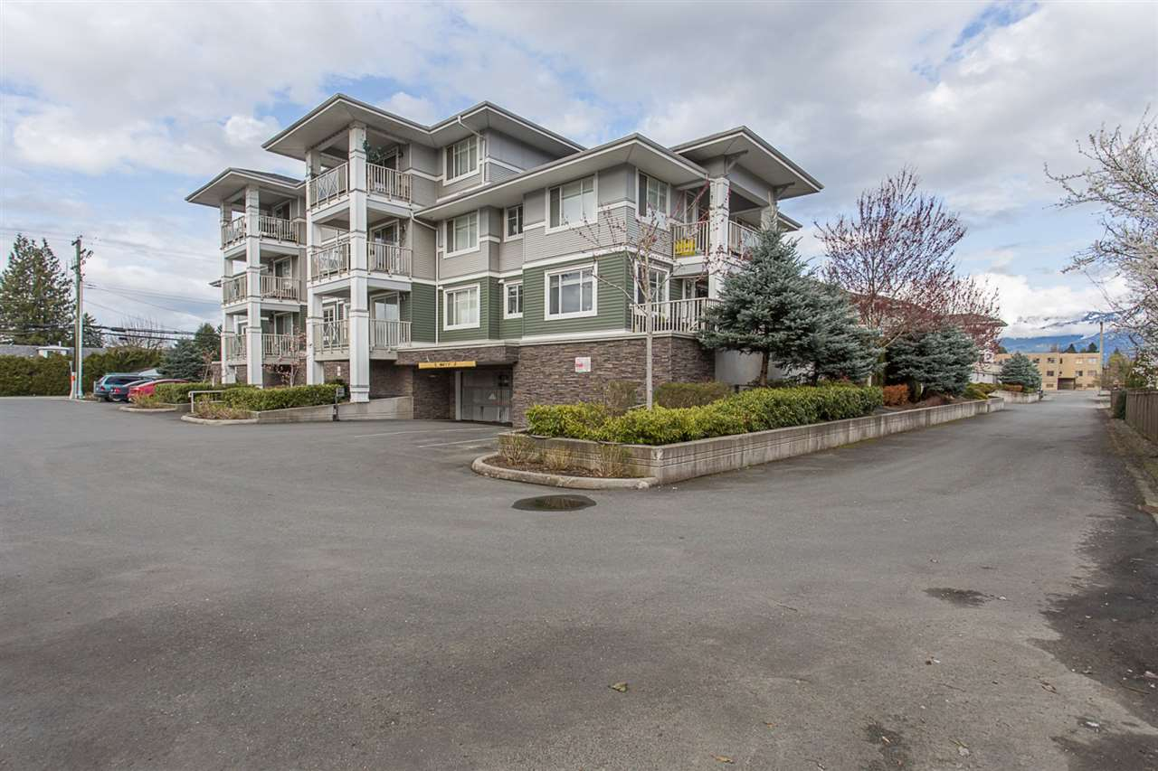 311 46262 FIRST AVENUE, 1 bed, 1 bath, at $275,000