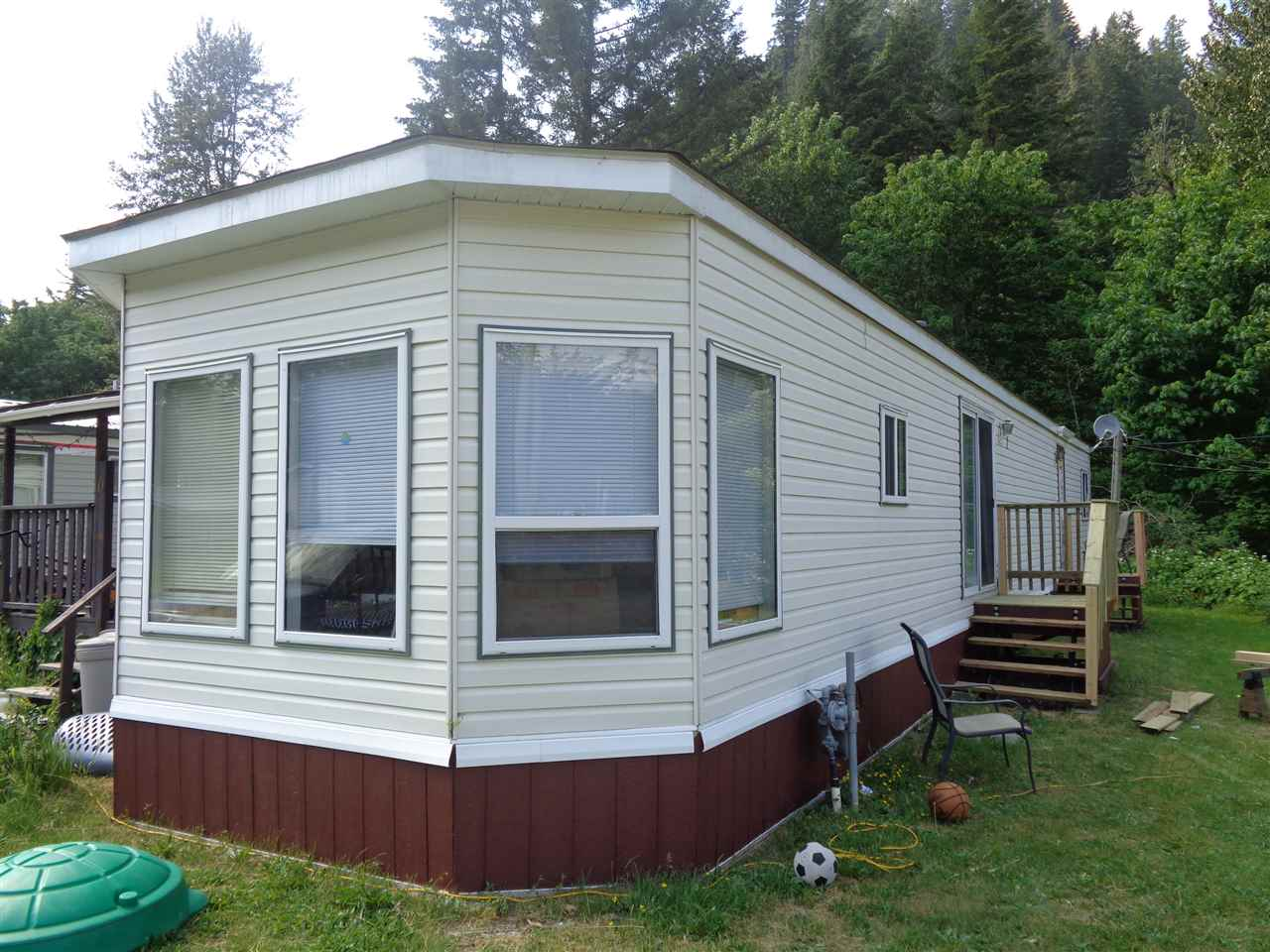 10 65367 KAWKAWA LAKE ROAD, 3 bed, 2 bath, at $49,900