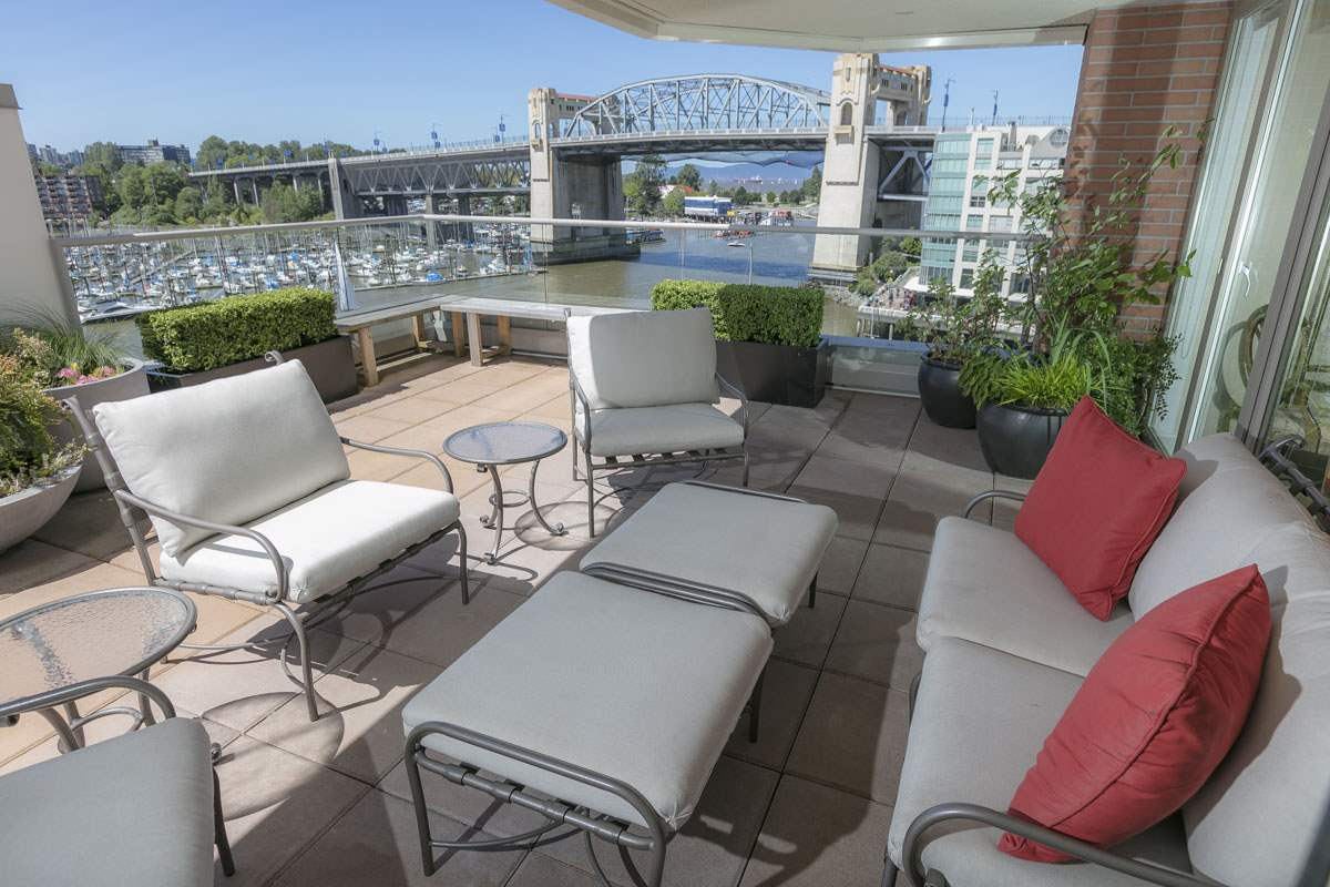 750 1675 HORNBY STREET, 2 bed, 2 bath, at $3,500,000