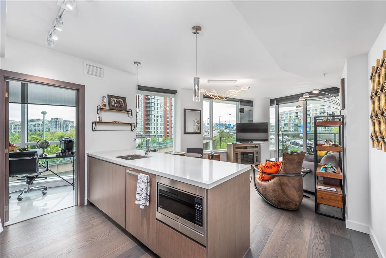 309 68 SMITHE STREET, 2 bed, 2 bath, at $1,118,000