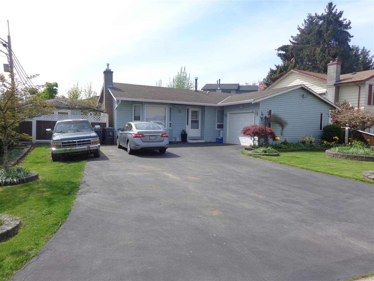 27192 34 AVENUE, 3 bed, 1 bath, at $699,900
